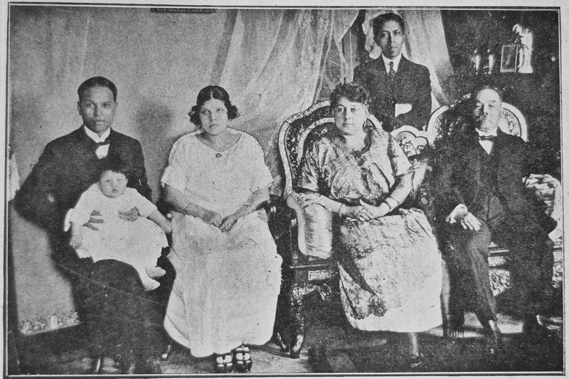 36-Aurelio Pow San Chia and family