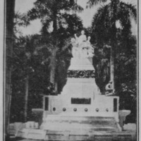 6 -  Fountain donated by the Chinese community to Lima's Park of the Exposition in commemoration of the nation's centenary in 1921